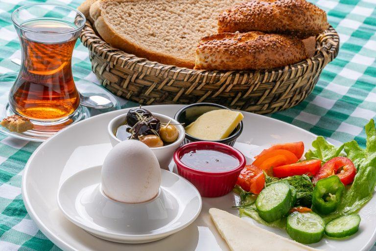 Kızlı Kahvaltı tabağı