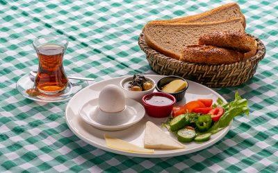 Hızlı Kahvaltı Tabağı